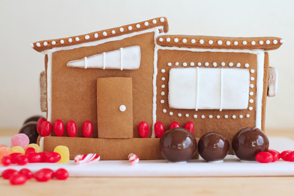 How to Make a Modern Gingerbread House